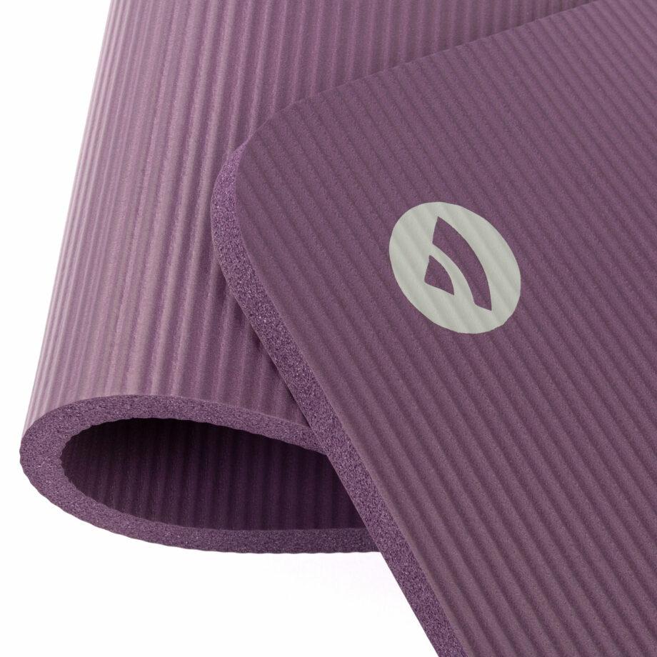 tapis de gymnastique pilates aubergine