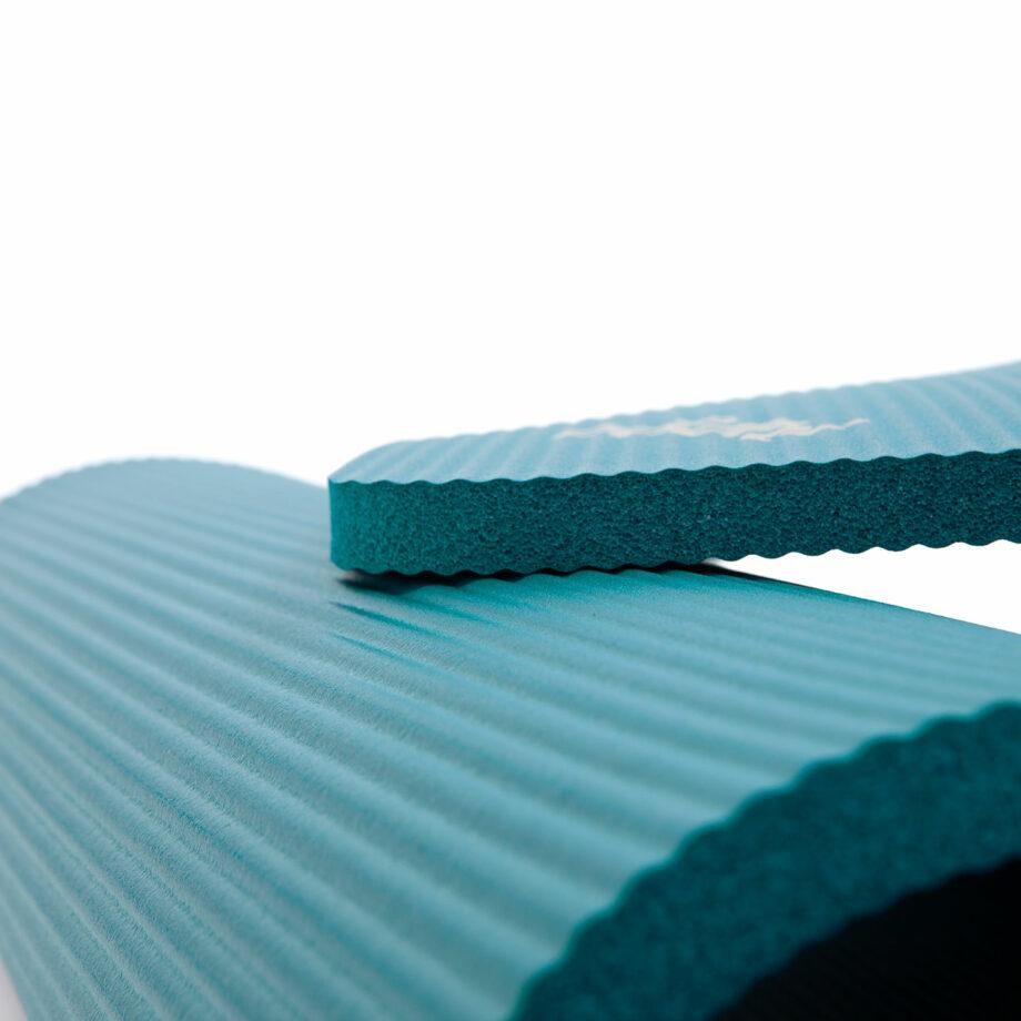 tapis de gymnastique pilates petrole